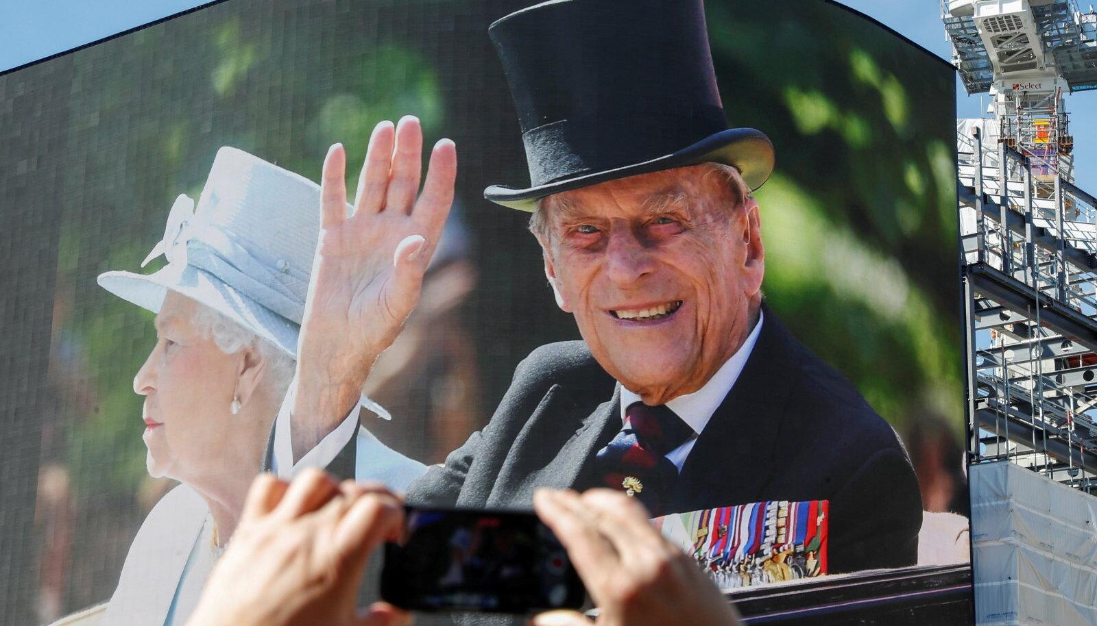 Prints Philip maeti laupäeval.