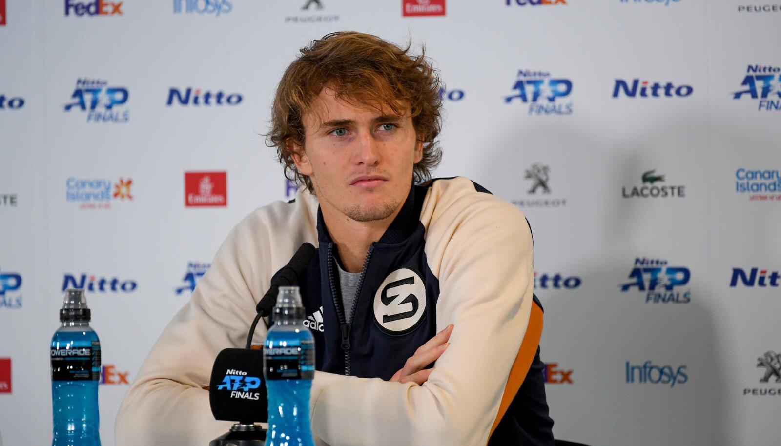 Alexander Zverev pressikonverentsil.