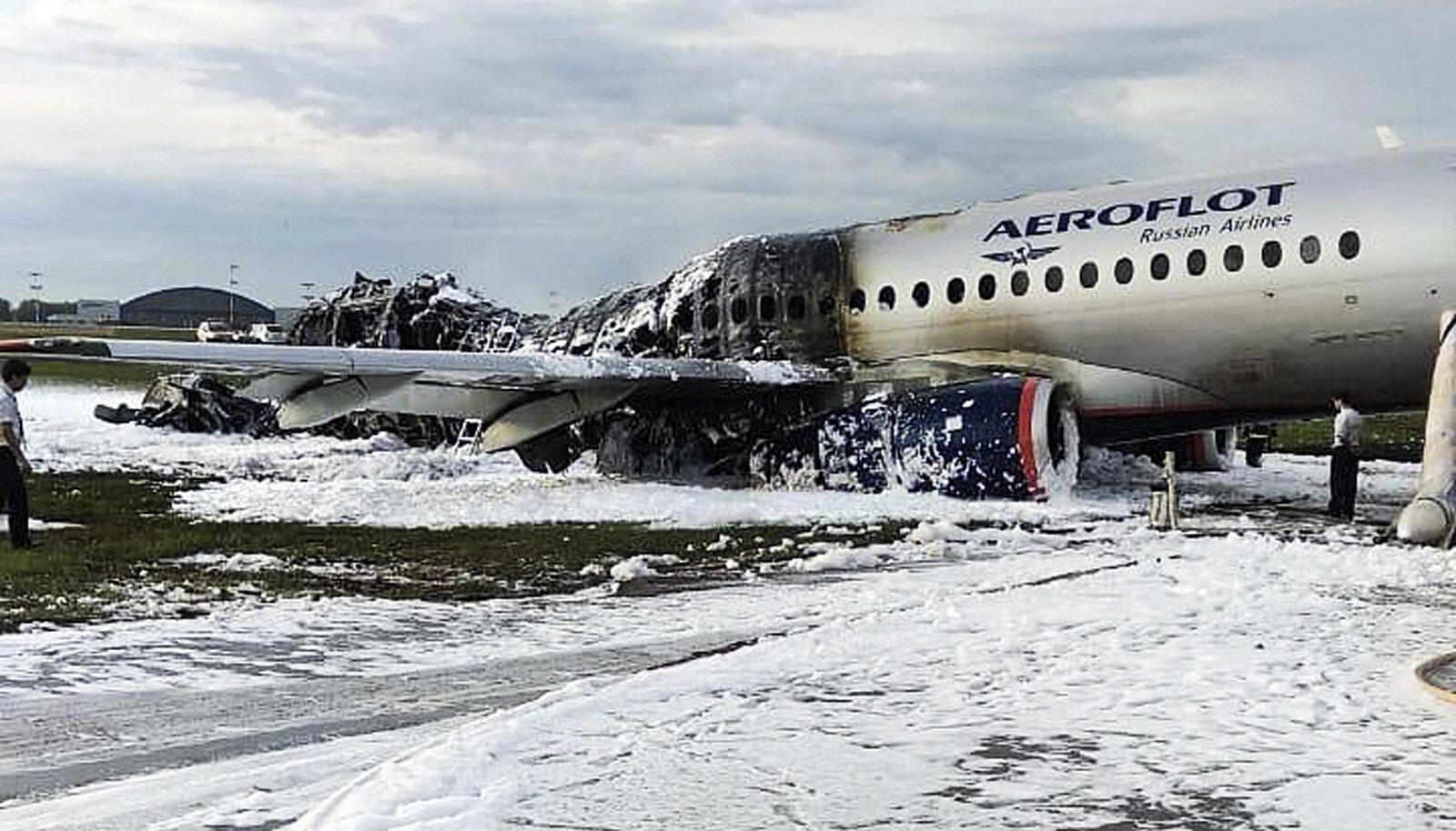 Moskvas põlema süttinud Suhhoi Superjet 100
