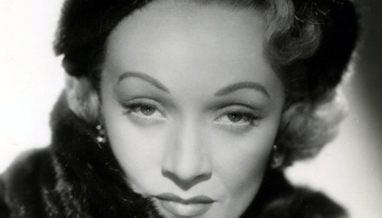Marleen Dietrich ei varjanudki oma biseksuaalsust ning oli suhtes Greta Garboga
