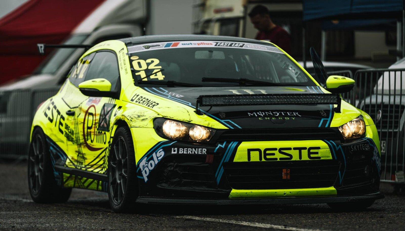 Võistlusauto, millega Palangasse kiiremaid ringe tegema minnakse