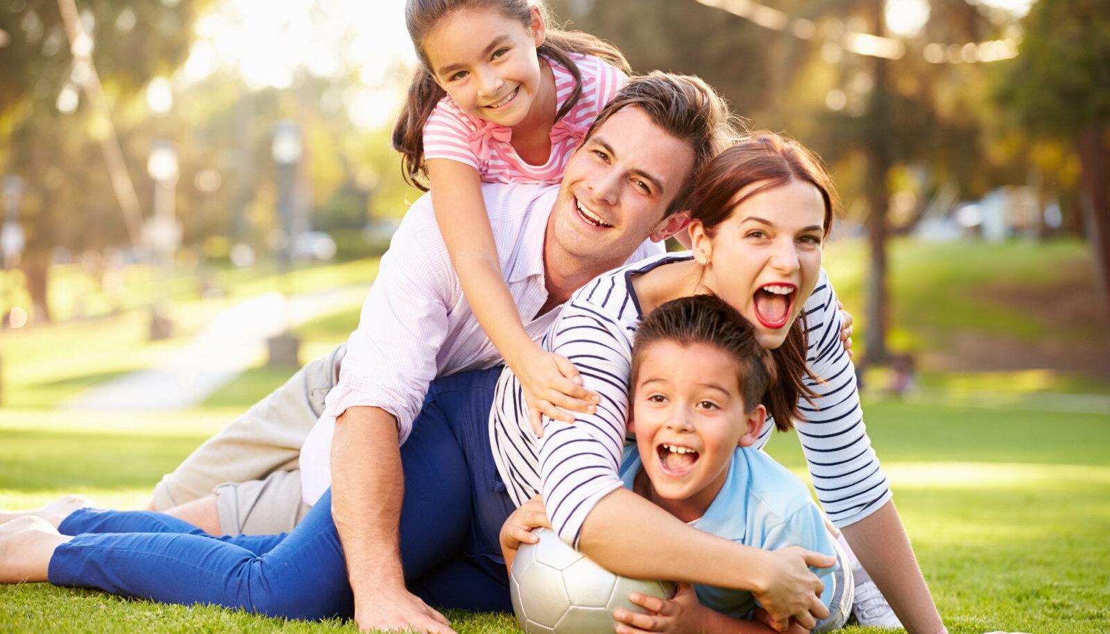 Vanemad on lastele justkui maamärgid - sadamasse turvaliseks sissesõiduks on vaja kaht maamärki