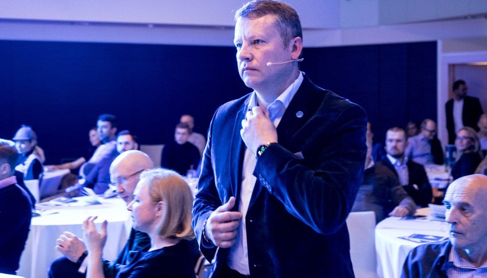 Toomas Uibo erakonna Eesti 200 asutamise koosolekul