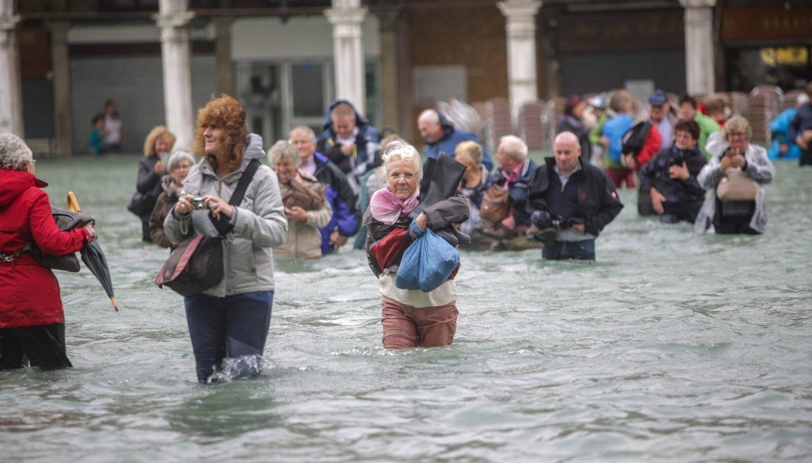 Möödunud aasta oktoobris tabasid Veneetsiat suured üleujutused, kuid saabunud turiste need lahkuma ei sundinud.
