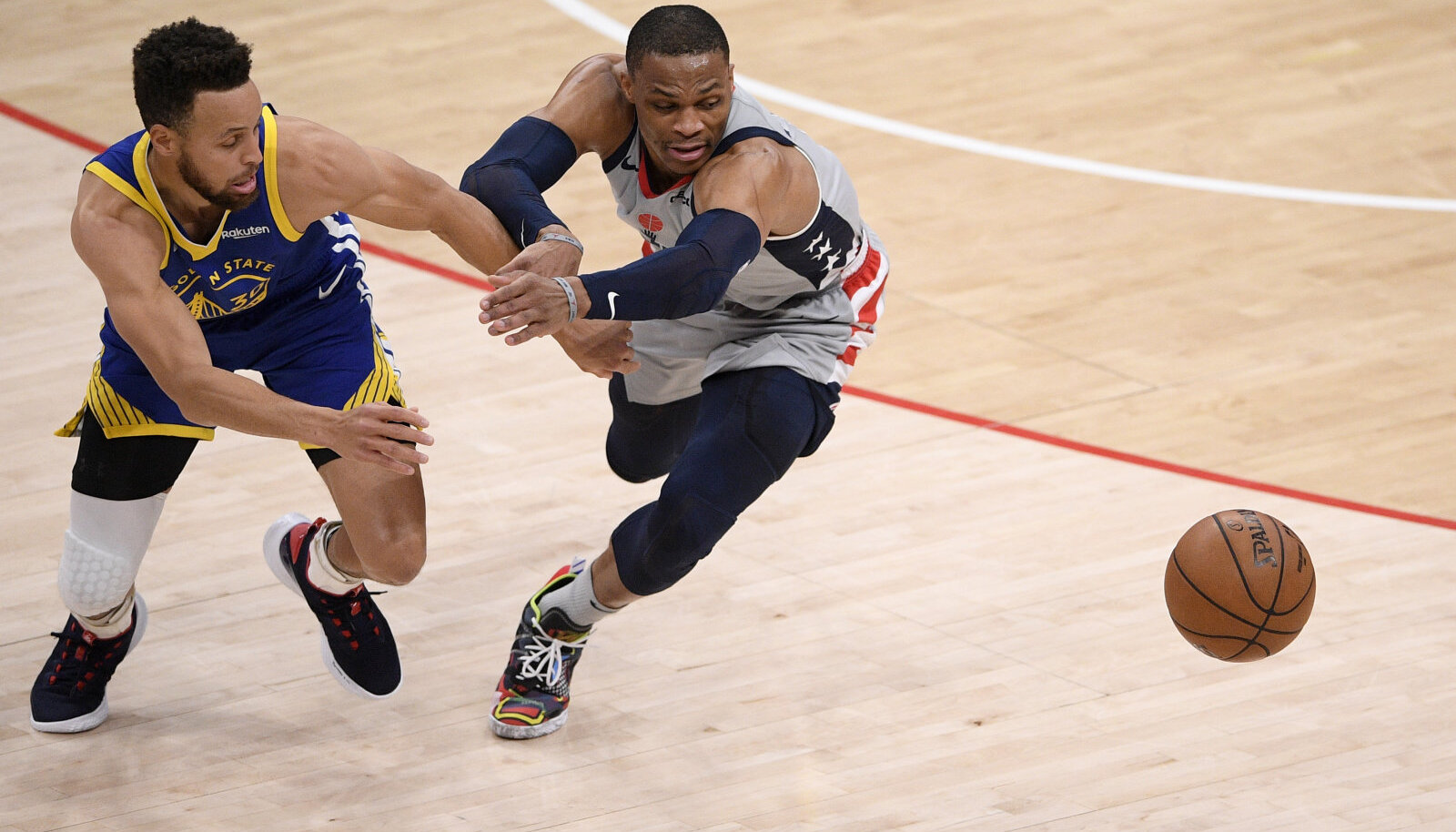 Stephen Curry ja Russell Westbrook