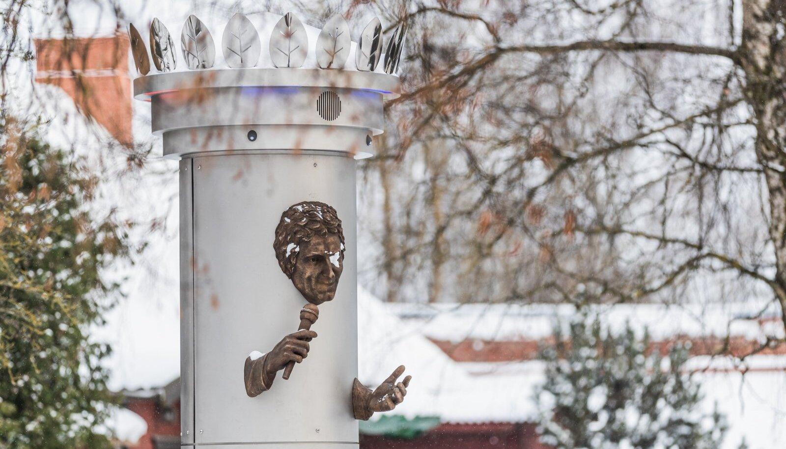KUHU KAOB RAHA? Viljandi andis Jaak Joala monumendi püstitamiseks 50 tuhat eurot, kuid oma sobimatuse tõttu arvatavasti linna püsti ei jää.
