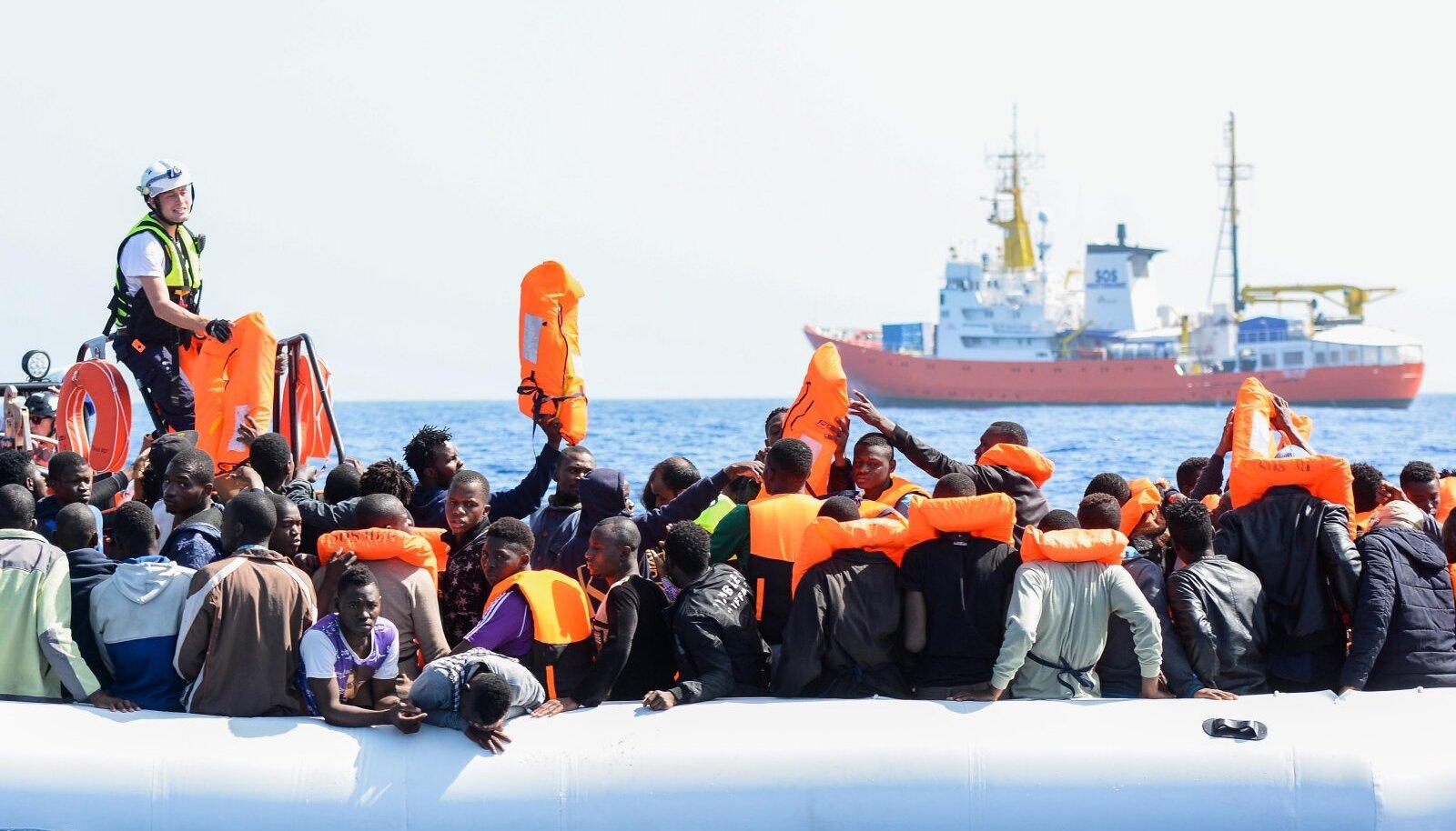 Aquariuse päästetud sisserändajad Vahemerel