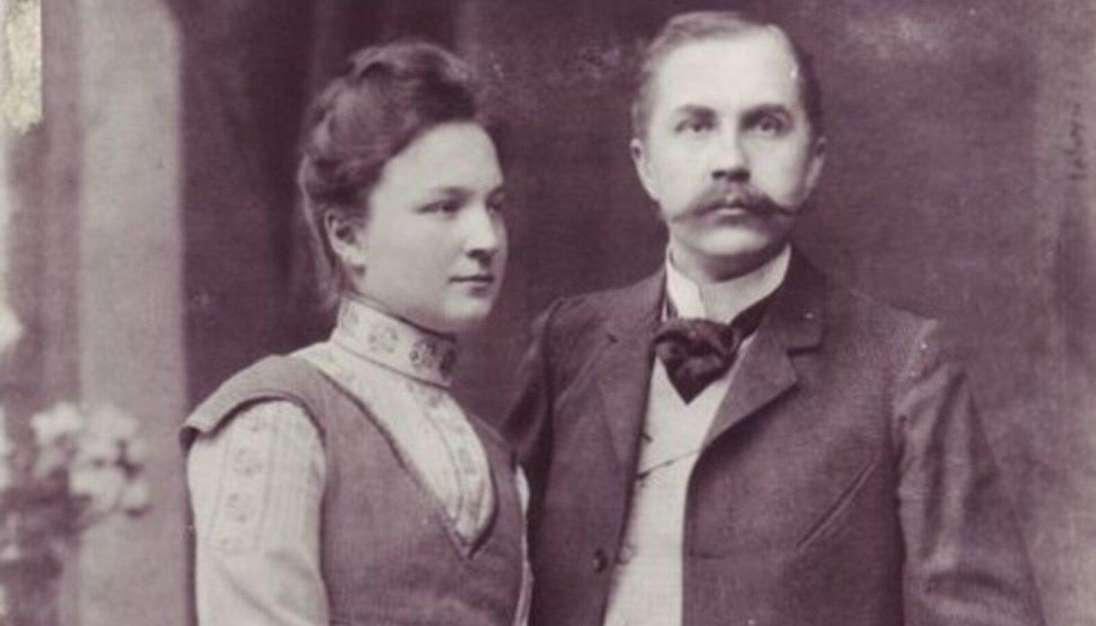 SOBISID KOKKU: Linda Jürmann ja Eduard Vilde.