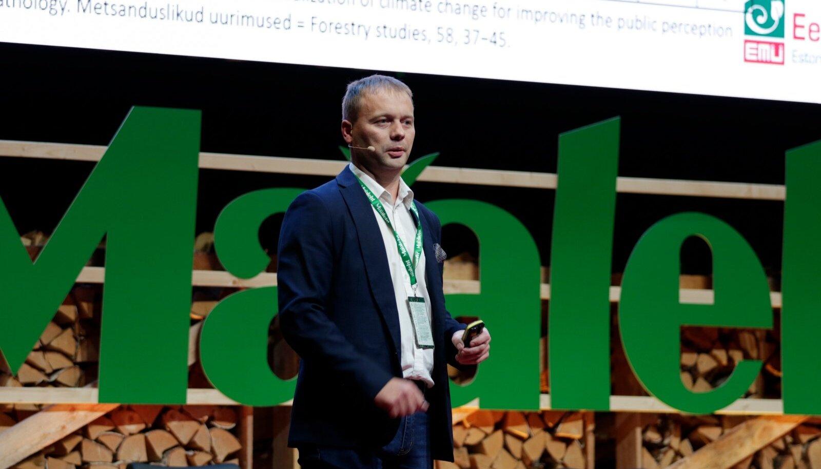 Mullusel Maalehe metsakonverentsil rääkis Eesti Maaülikooli metsakasvatuse ja metsaökoloogia õppetooli metsapatoloogia professor Rein Drenkhan, millised uued kahjustajad siinseid metsi ohustada võivad.