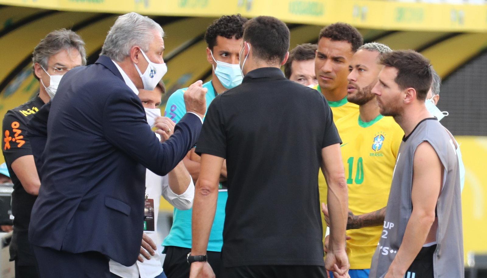 Brasiilia ja Argentina jalgpallimatšist kujunes farss.