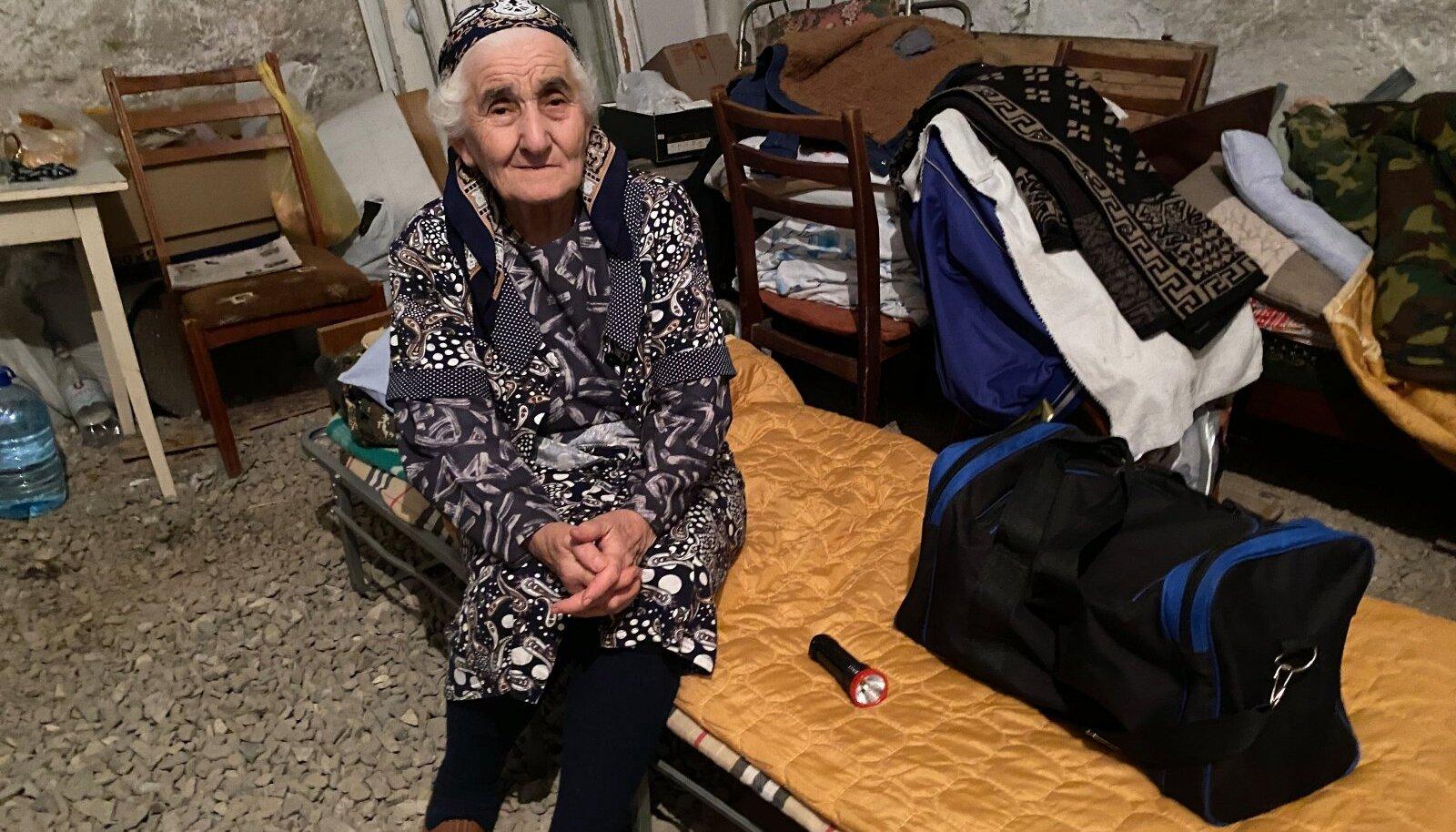 Подвал – вот то место, где прячутся и где вынуждены жить мирные жители Степанакерта