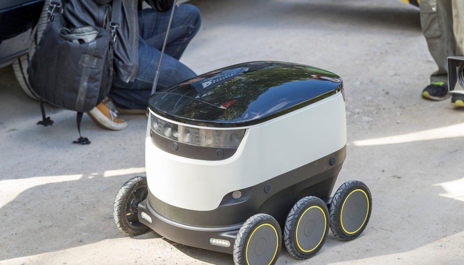 Omniva pakirobotite demo Vabaõhumuuseumis