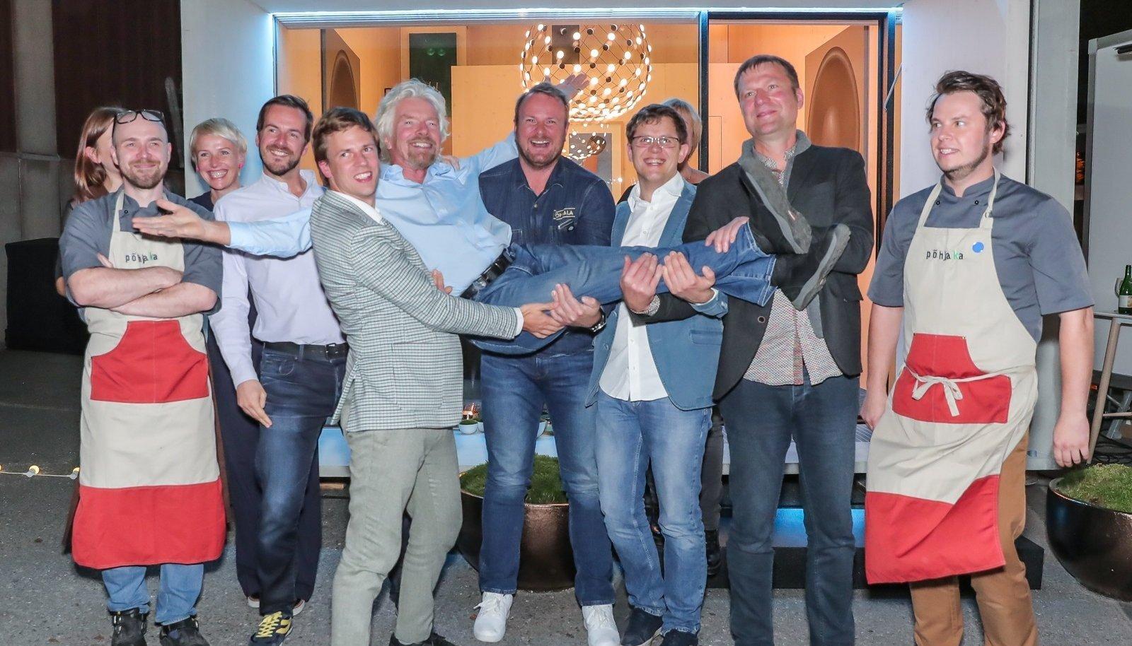 Kokku üheksa inimese kostitamine läks end avalikust rahast majandavale EAS-ile maksma 5450 eurot.