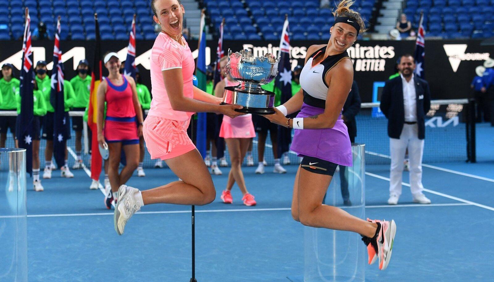 Elise Mertens ja Arina Sabalenka võitsid Australian Openi naispaarismängu tiitli.
