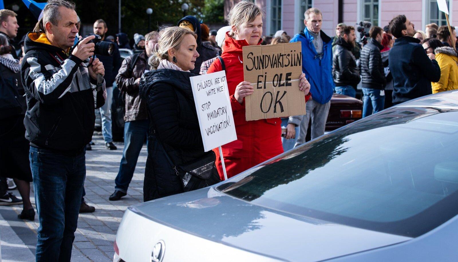 Vaktsiinivastaste meeleavaldus Toompeal 14.09.2021