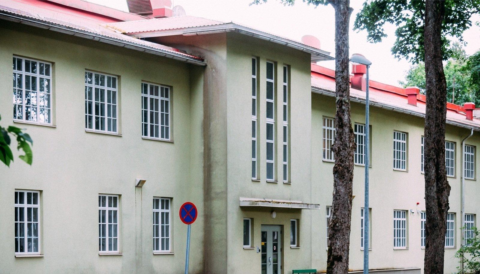 Viljandi haigla Jämejala psühhiaatriakliinikus on ametlikult sundravipatsientidele voodikohti 80. Tegelikult ei ole nii vähe patsiente seal kunagi.