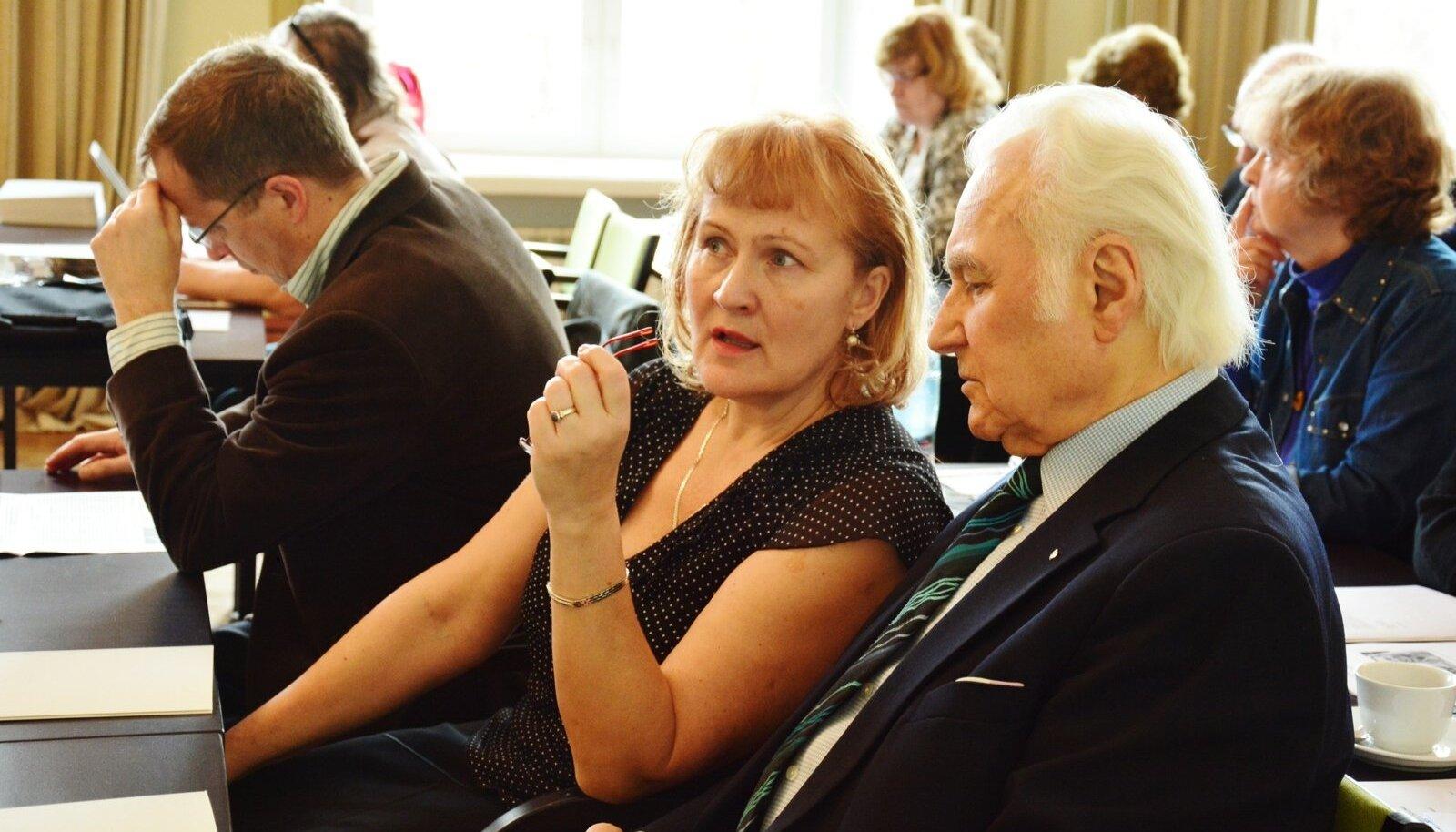 Eile Viljandis toimunud EKRE volikogu istungi avas erakonna auesimees Arnold Rüütel.