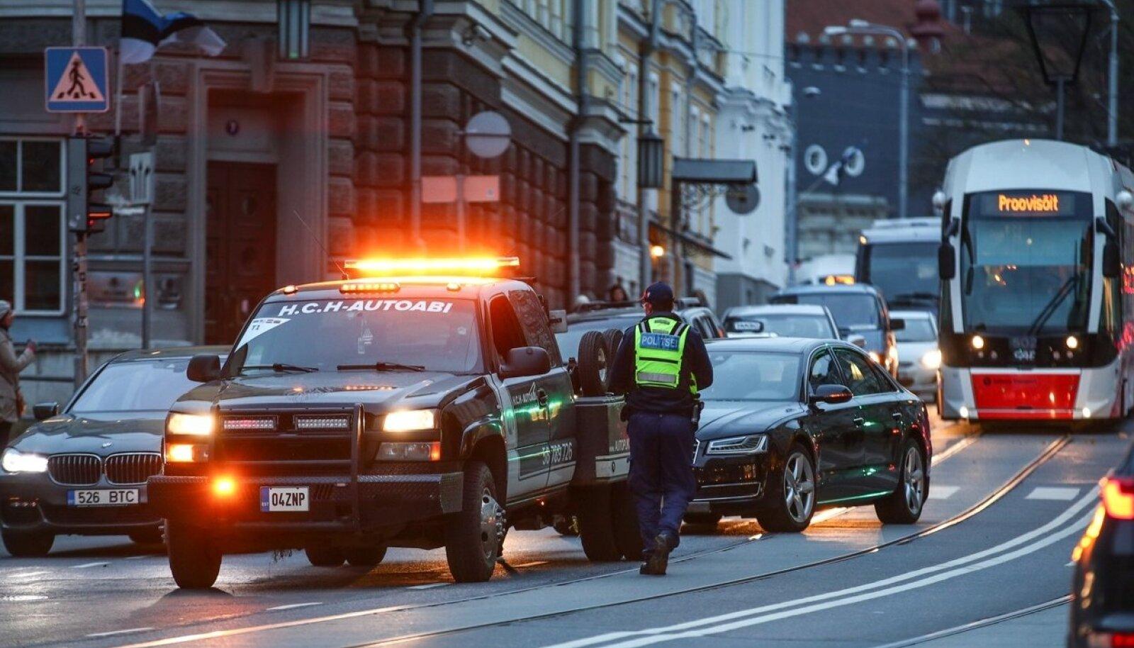 Liiklusõnnetus peaminister Jüri Ratase autoga, 25.10.2017