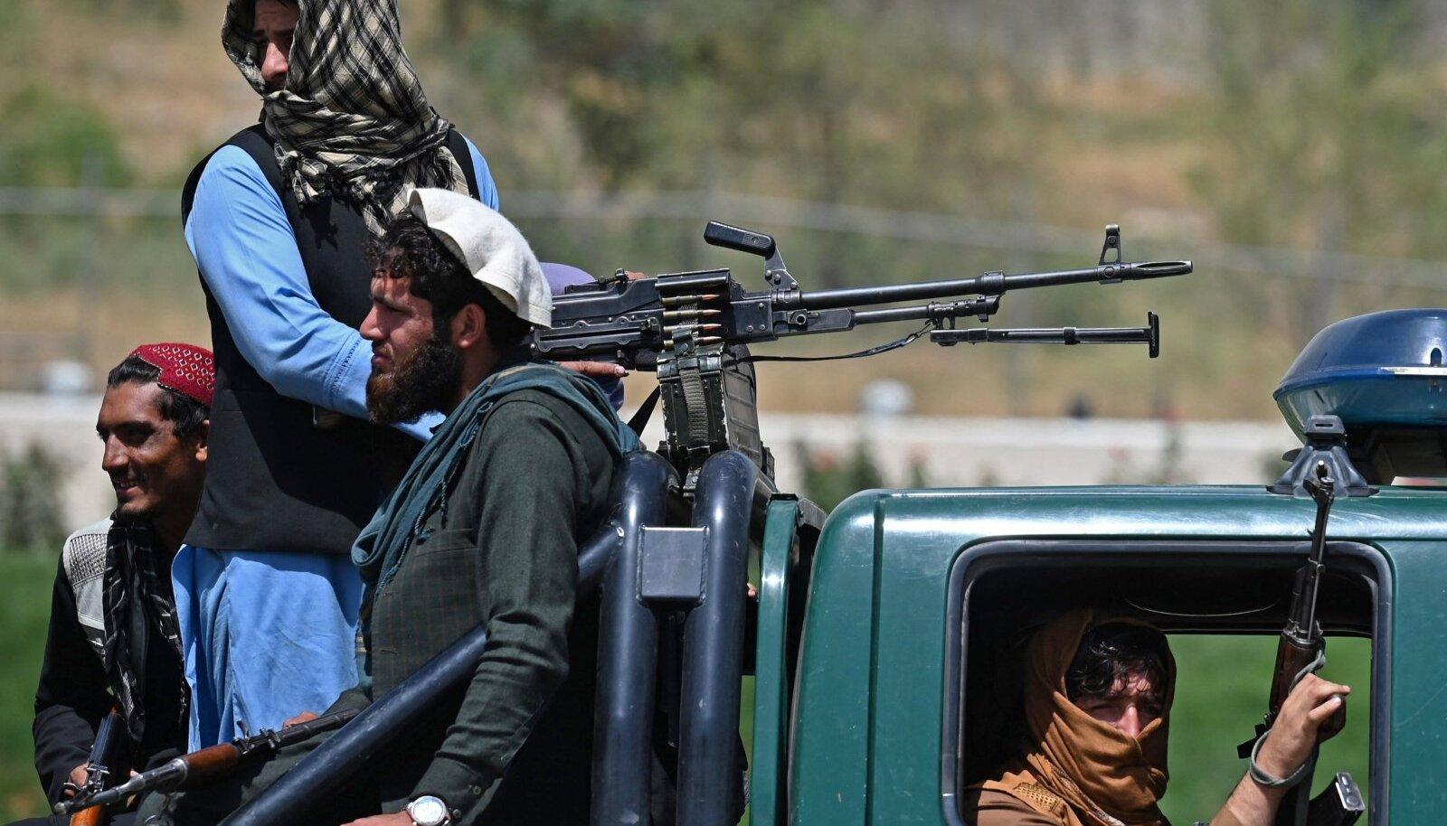 Äärmusühenduse Taliban võitlejate patrull eile pealinnas Kabulis