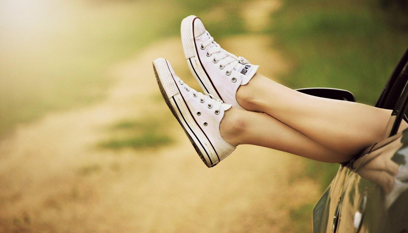 """D-vitamiini """"püüdmiseks"""" ei pea sugugi randa minema, vaid piisab kui käsivarred-jalad ning nägu päikesele valla on."""
