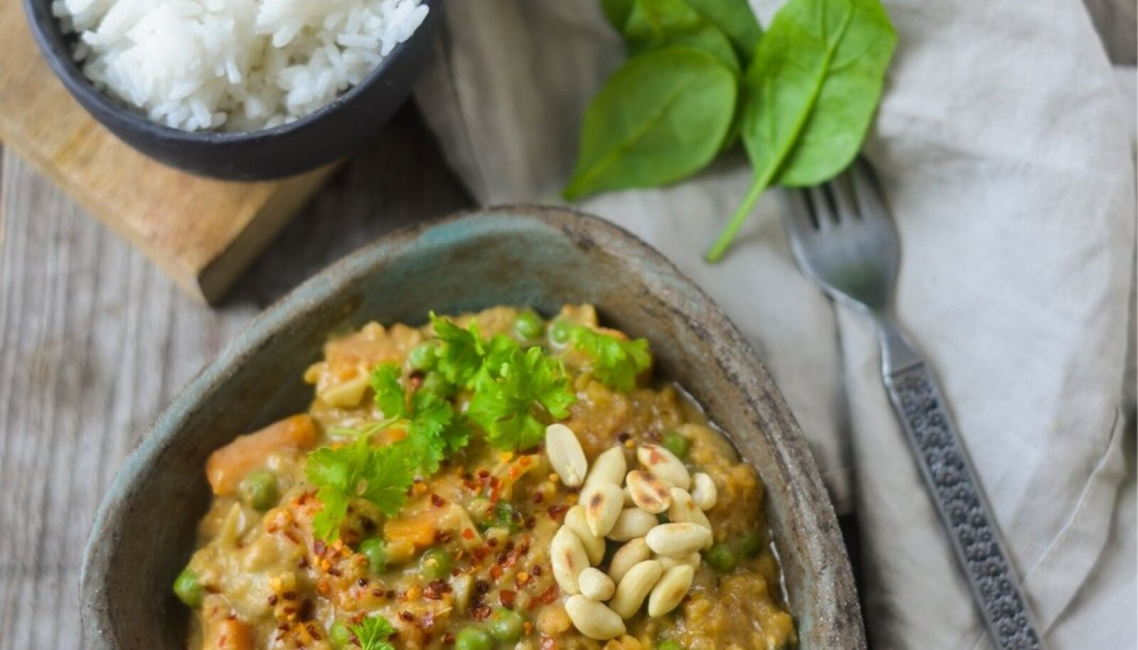 Bataadi-läätsekarri maapähklivõiga. Foto: Mari-Liis Ilover