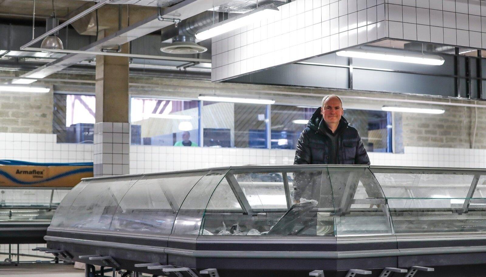 Eesti Lihatööstuse juhatuse liikme Mart Luige sõnul värbab ta lähiajal avatavale Balti jaama turule sama palju töötajaid, kui tegutseb Vastse-Kuuste tsehhis.