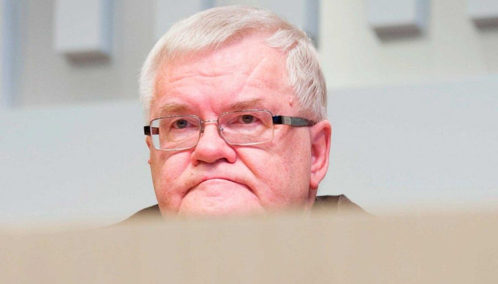 Mandaat olemas: Tuleva aasta jaanuaris minnakse Tallinnas üle tasuta ühistranspordile, kinnitas Savisaar. (Rauno Volmar)