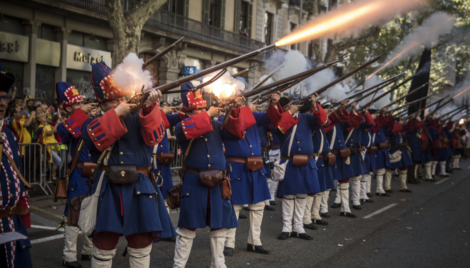 Katalaanid omavad õigust vaid ajaloolistest relvadest tulistada.