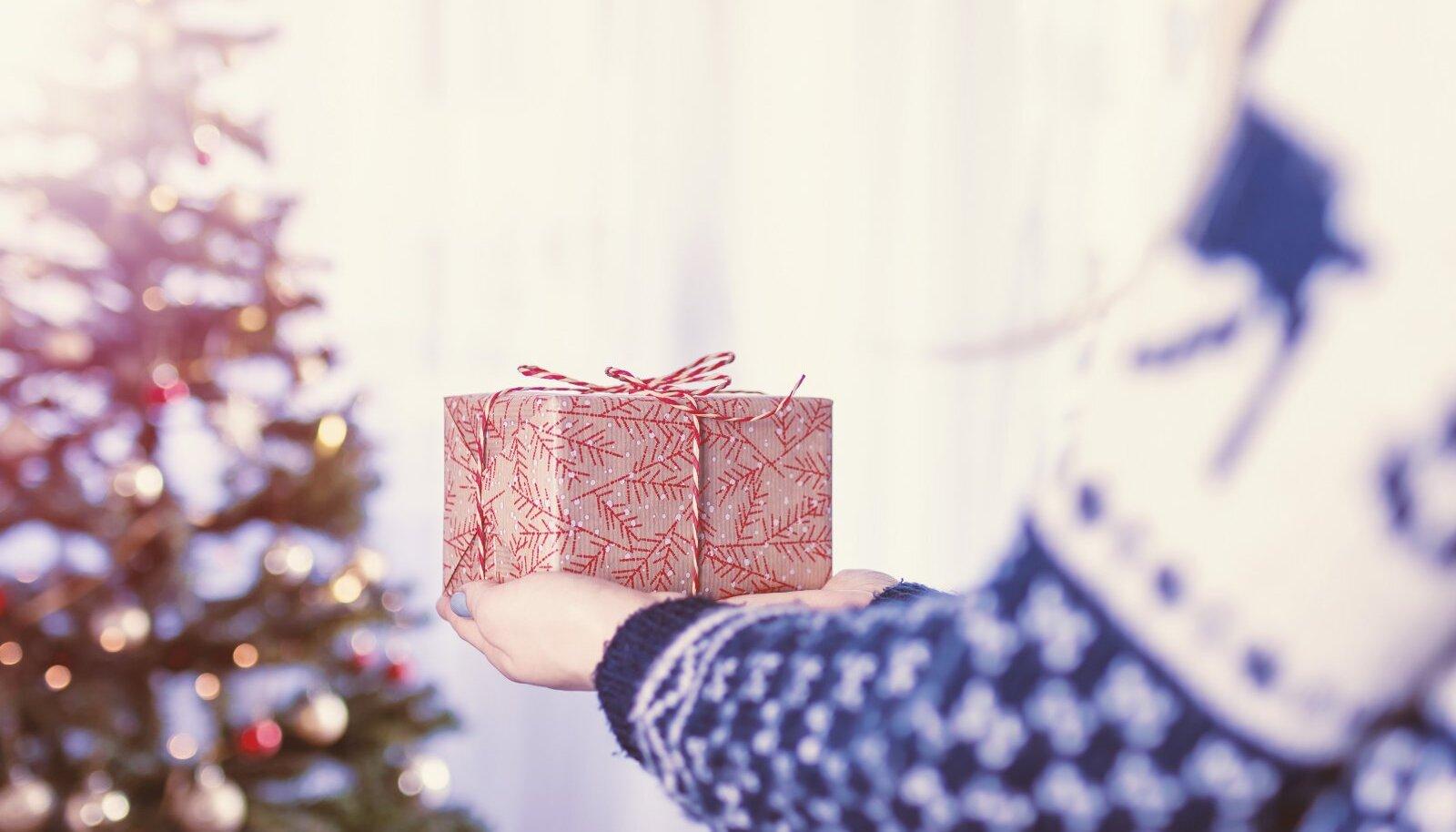 Anname nõu! Milliste jõulukingitustega sel aastal lähedasi üllatada?