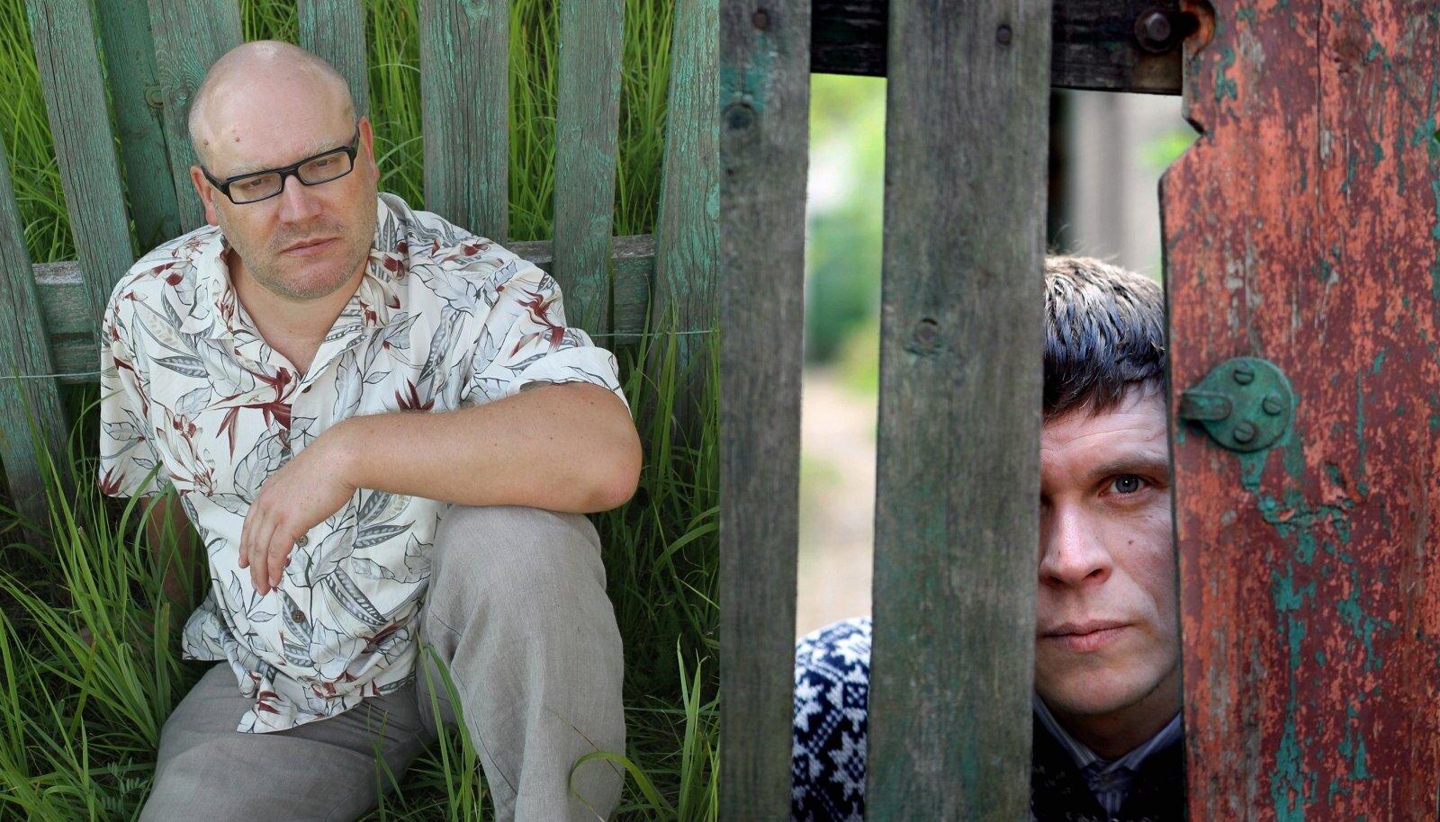 """Kui Hasso Krull (paremal) on kõige põnevam """"vasakpoolne"""" poeet, siis (:)kivisildnik (vasakul) asub sama skaala teises otsas."""