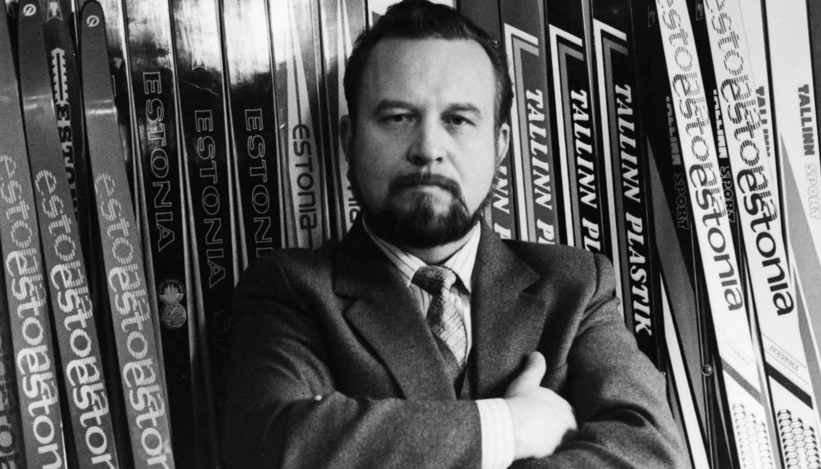 1986. AASTAL SAI Ülo Nugis Estoplasti direktoriks ja peagi alustas ta tehase äratoomist Moskva alluvusest. See oli üks osa pikas protsessis, mis järk-järgult aitas Eesti riigi Nõukogude Liidust lahti sõlmida.