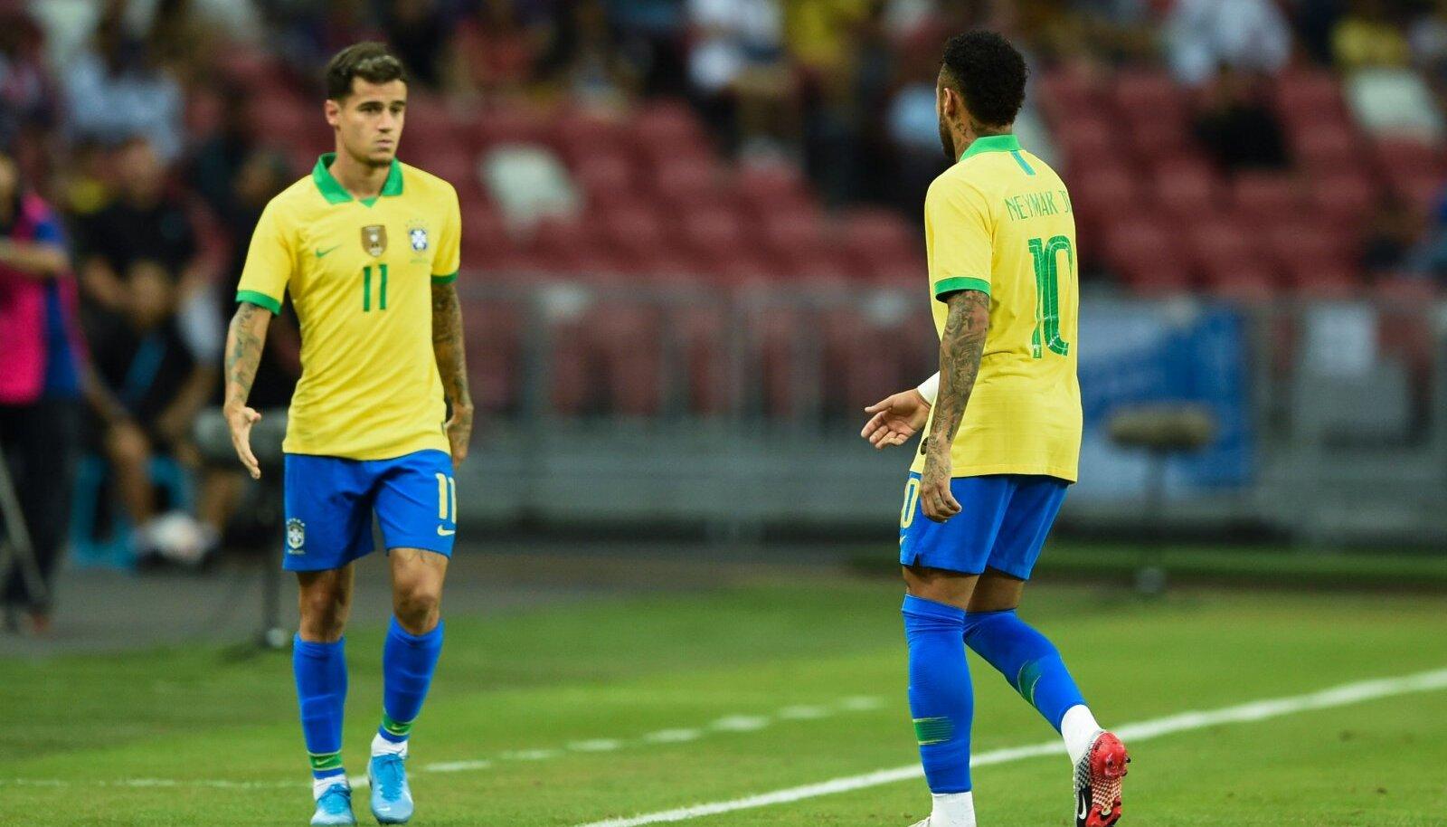 Philippe Coutinho vahetas juba 12. minutil Neymari välja