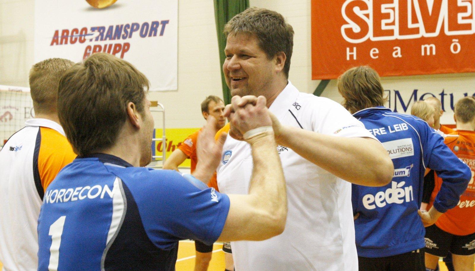 Rait Rikberg ja Alari Jõesaar rõõmustavad 2012. aastal, kui Tartu murdis Tallinna Selveri hegemoonia.