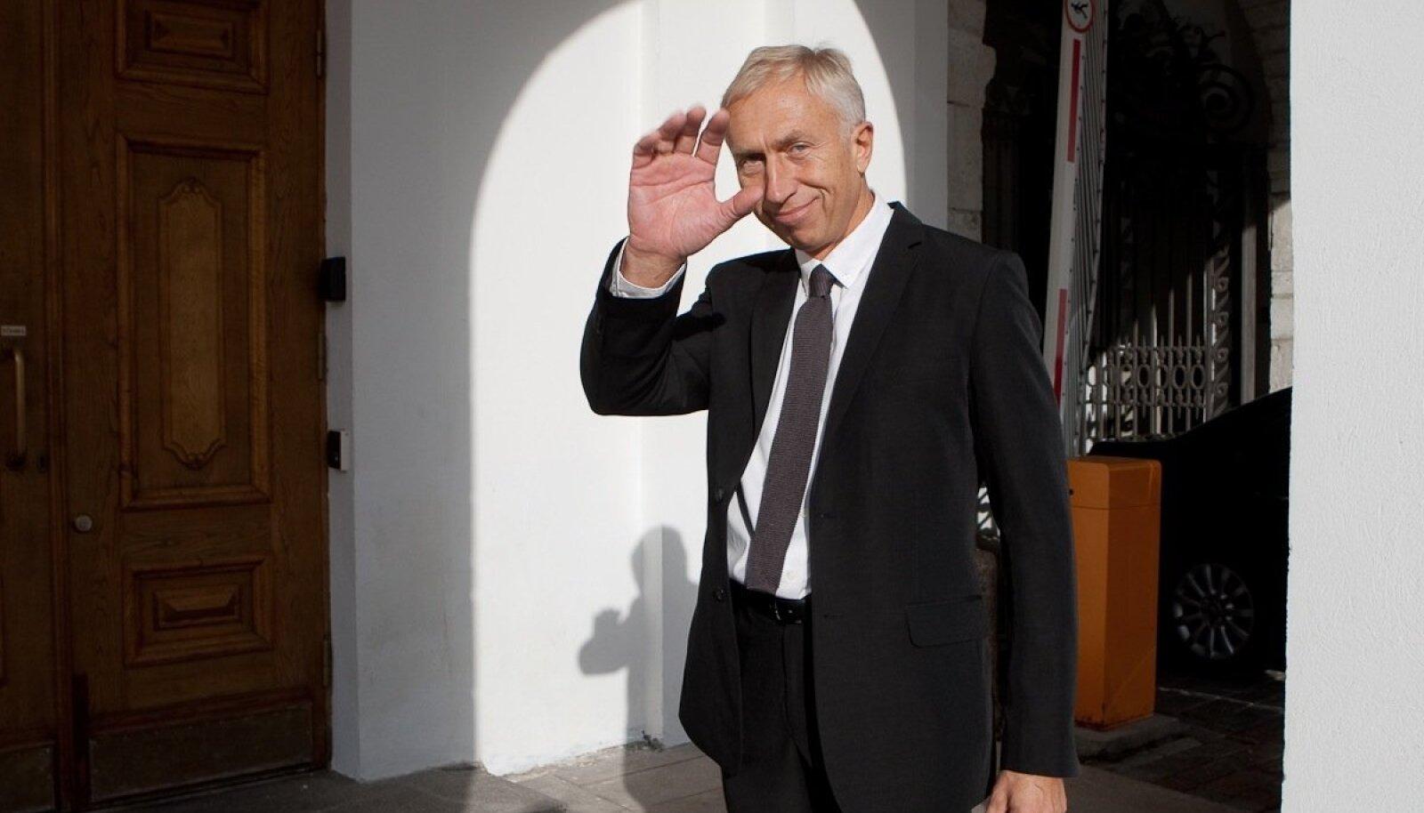 Riigikogu liige Raivo Järvi 2010. aastal Toompeal hommikupäikese laigus.