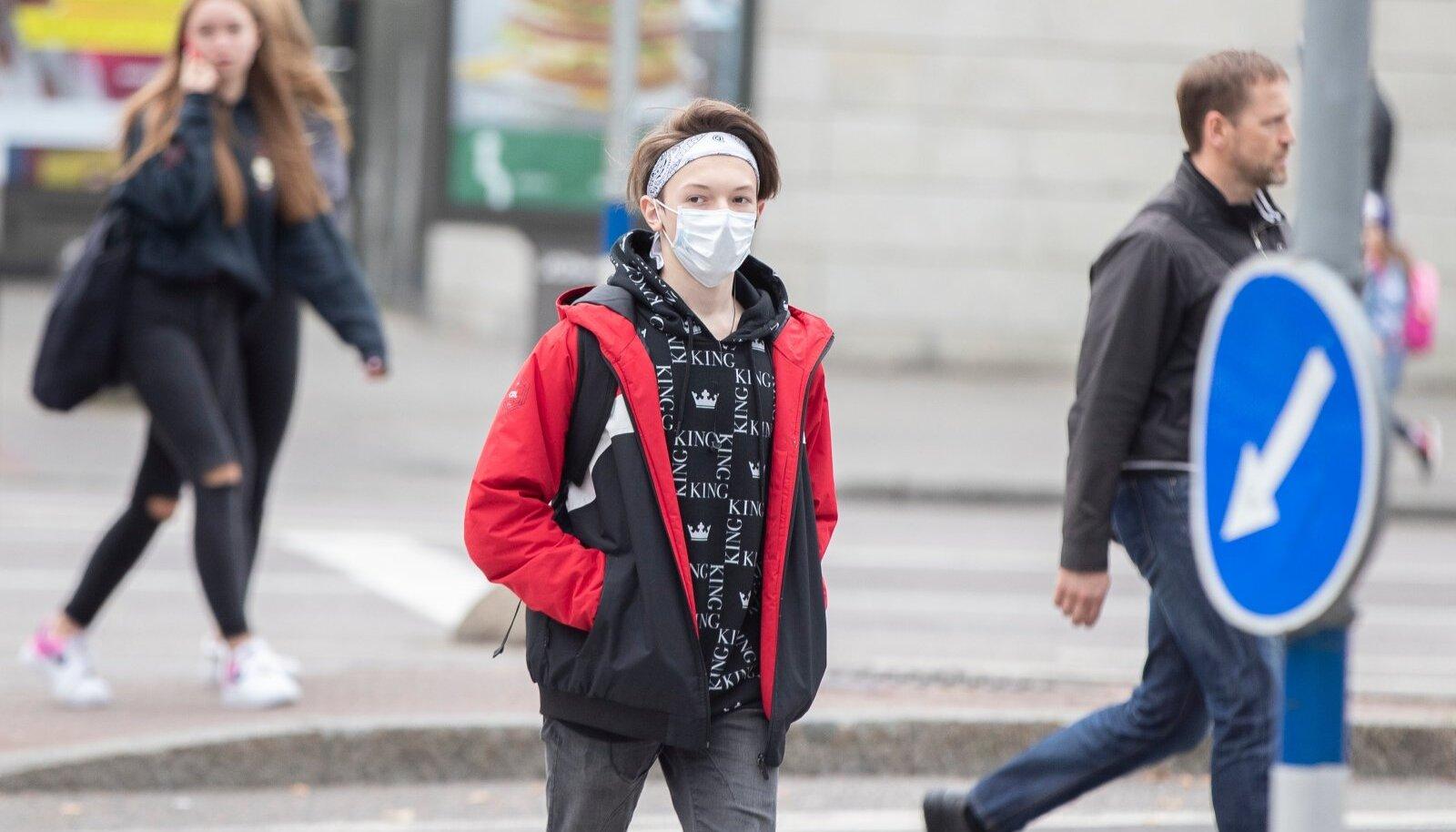 Maski võiks kanda alates 10. eluaastast. Lapsed ja noored näitavad tihti head eeskuju.
