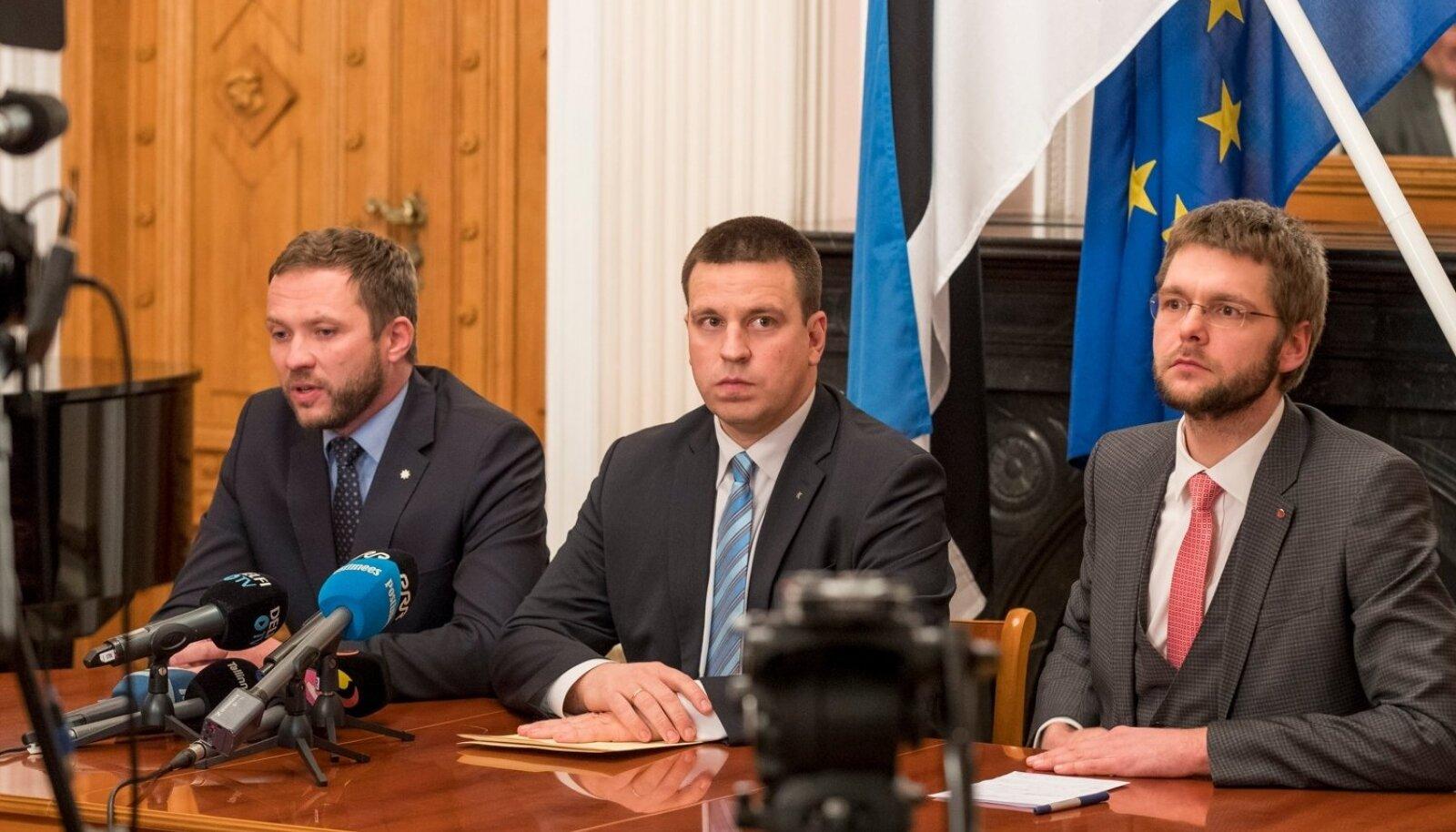 Keskerakonna, IRLi ja SDE esimehed Jüri Ratas, Margus Tsahkna ja Jevgeni Ossinovski teatasid, et alustavad 09.11.2016 konsultatsioone, et moodustada valitsus.