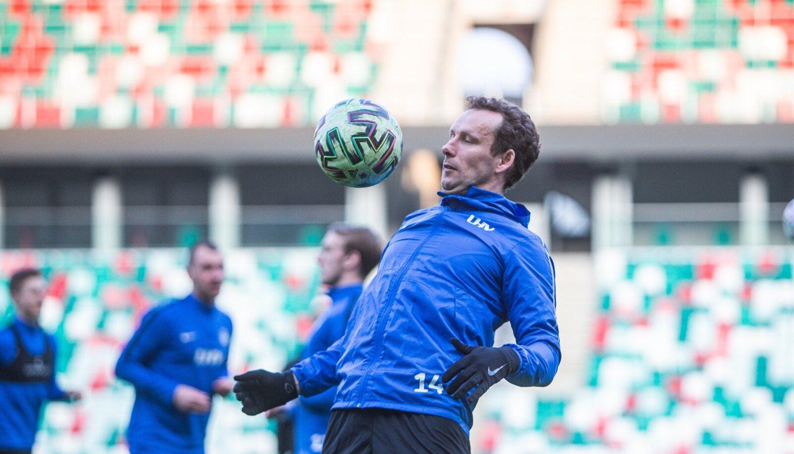 Eesti jalgpallikoondise treening Minskis, Konstantin Vassiljev