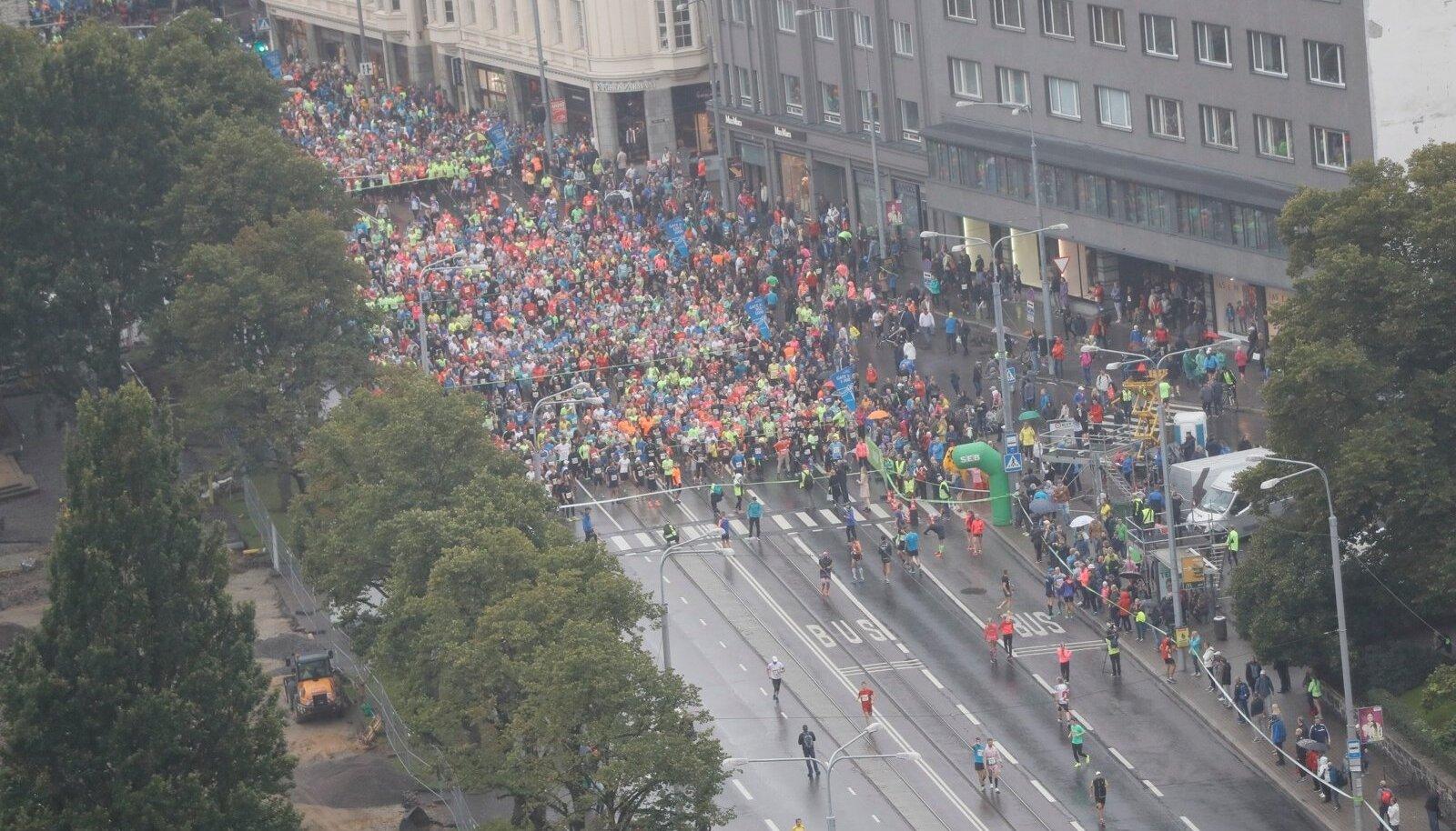 SEB Tallinna Maraton 10 km jooksul osalejad vahetult enne starti