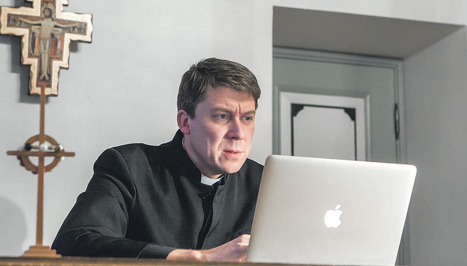 EELK kantsler Urmas Viilma loodab, et kiriku kinnisvaraarendused suudavad vaimulike närust palka veidikenegi tõsta.