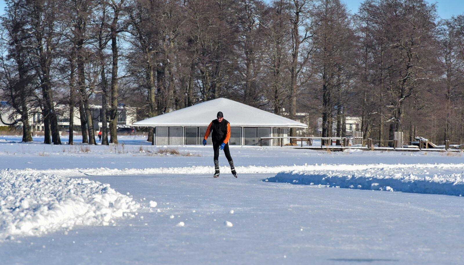 Veel 12. veebruaril olid Viljandi järve jääolud suurepärased
