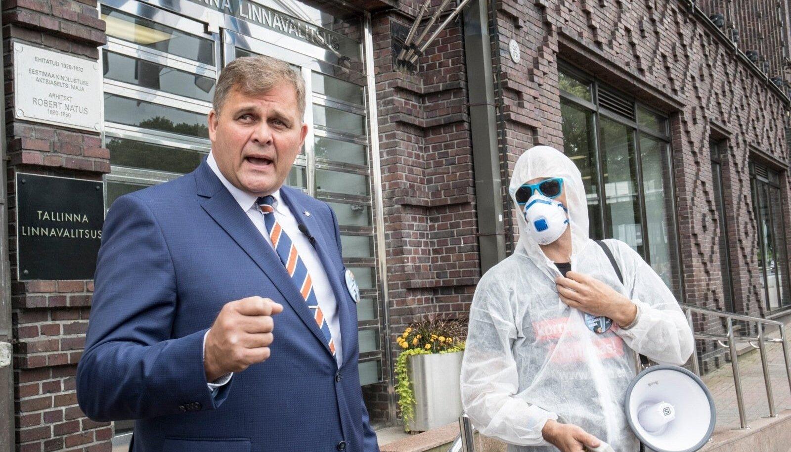 IRL-i linnapeakandidaadi Raivo Aegi korruptsioonitõrjeplaani tutvustamine augusti lõpus päädis politsei sekkumisega. Nüüd trikitab erakond valijate meelsuse näitamisega.