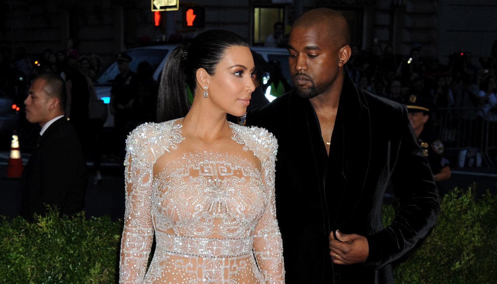 Paberite järgi on staarpaari rikkam osapool West, kelle varade väärtus küündib 1,3 miljardi dollarini. Kardashiani väärtuseks on umbkaudselt täpselt poole vähem.
