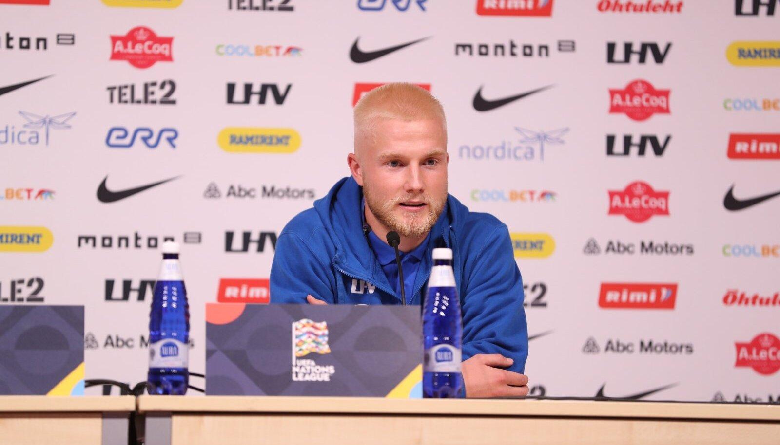 Henri Järvelaid mängujärgsel pressikonverentsil.