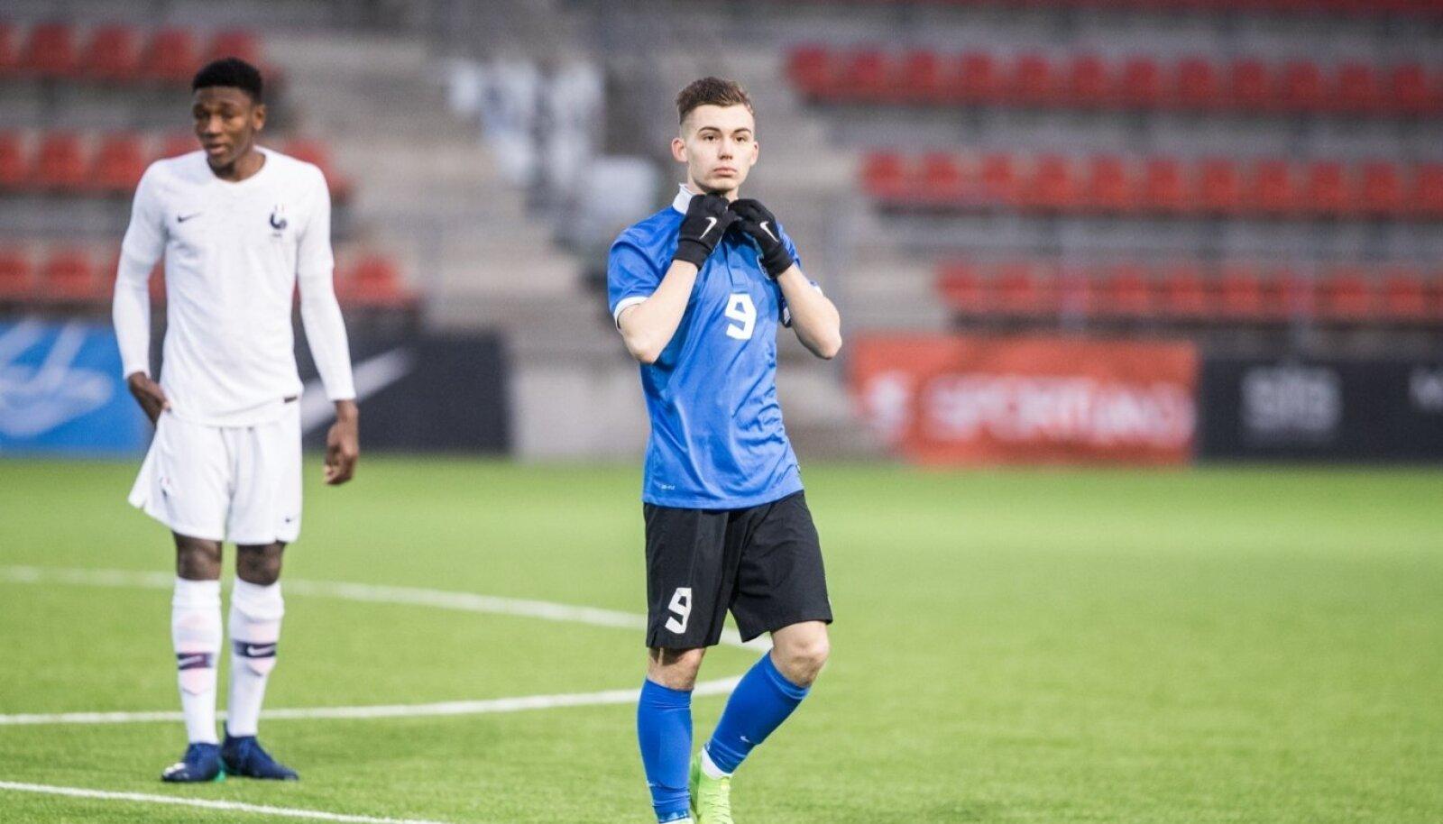 Aleksandr Šapovalov Eesti U17 koondise ridades võidumängus Prantsusmaa vastu