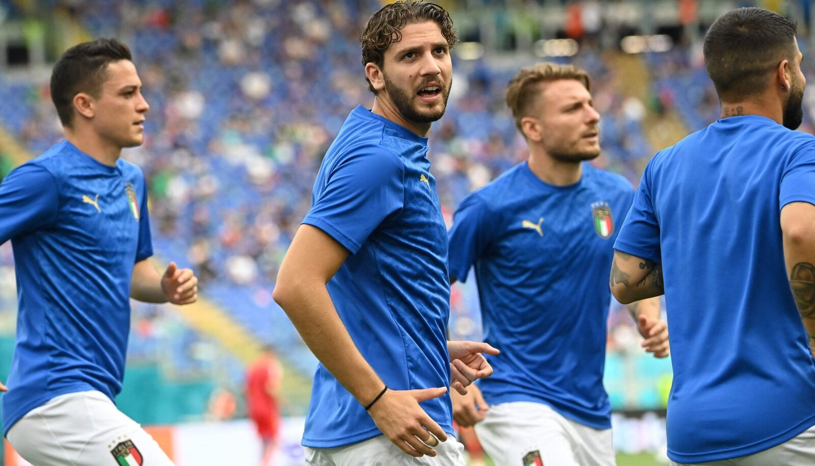 Manuel Locatelli (keskel)