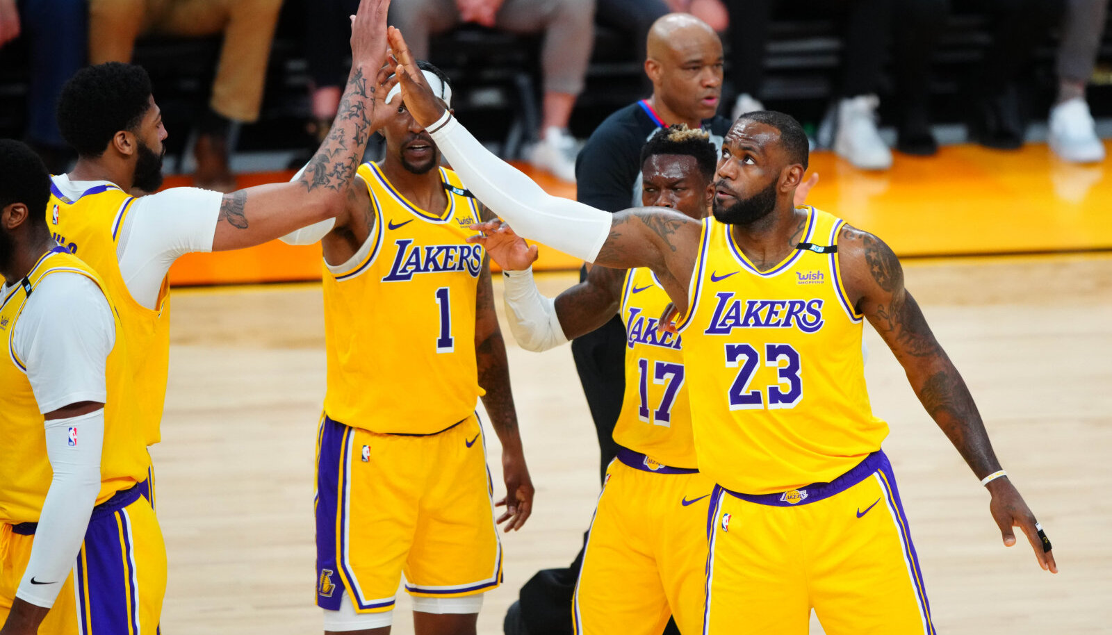 LeBron James tiimikaaslastega