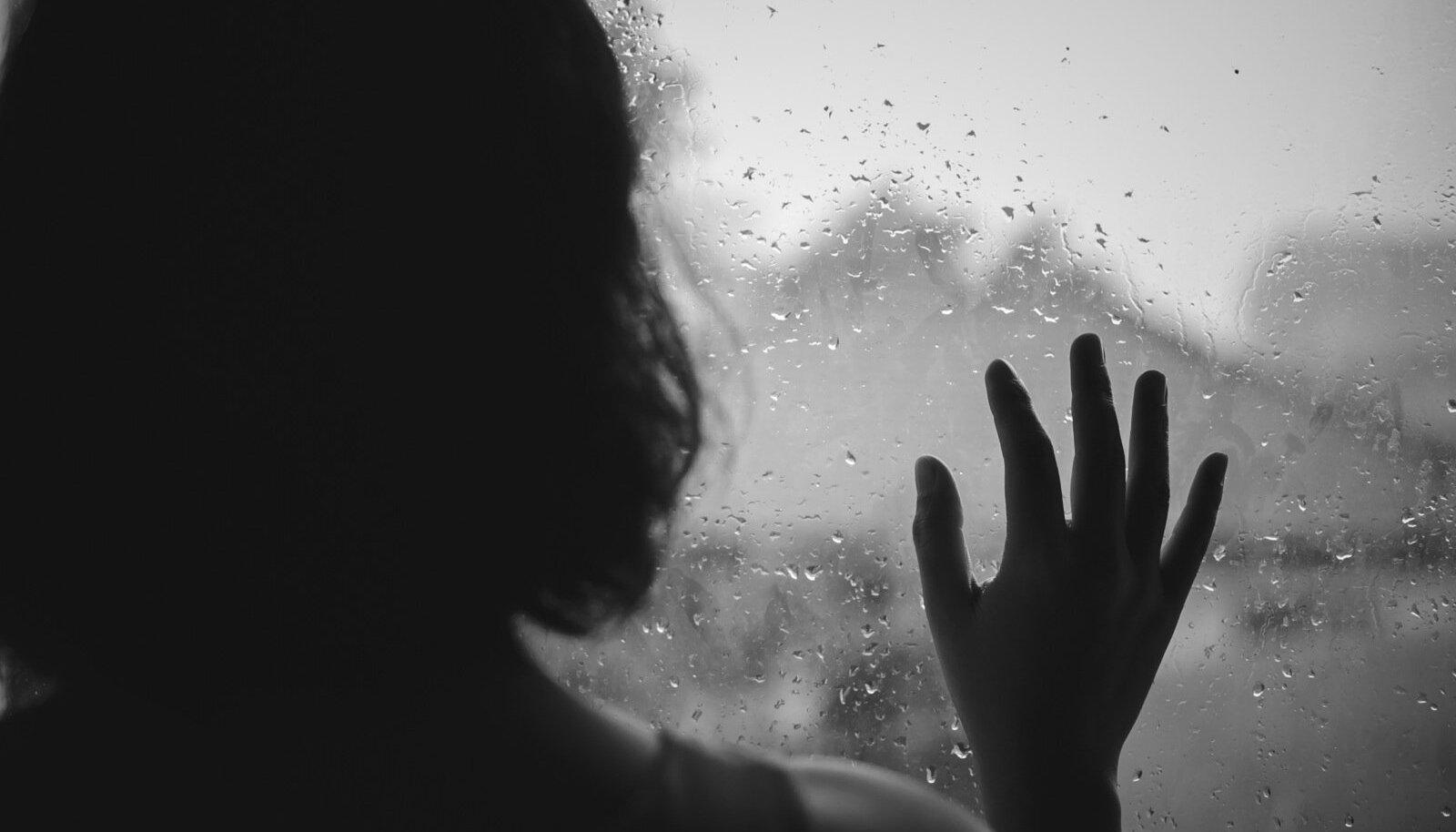 Üks enesetapp võib sügavalt mõjutada kuni 60 inimest.