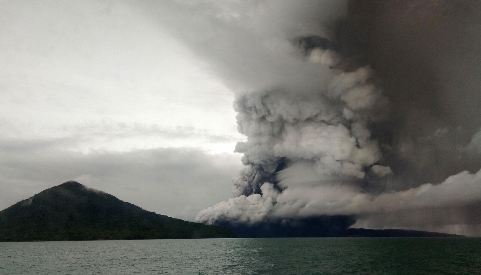 Anak Krakatau vulkaan eile.
