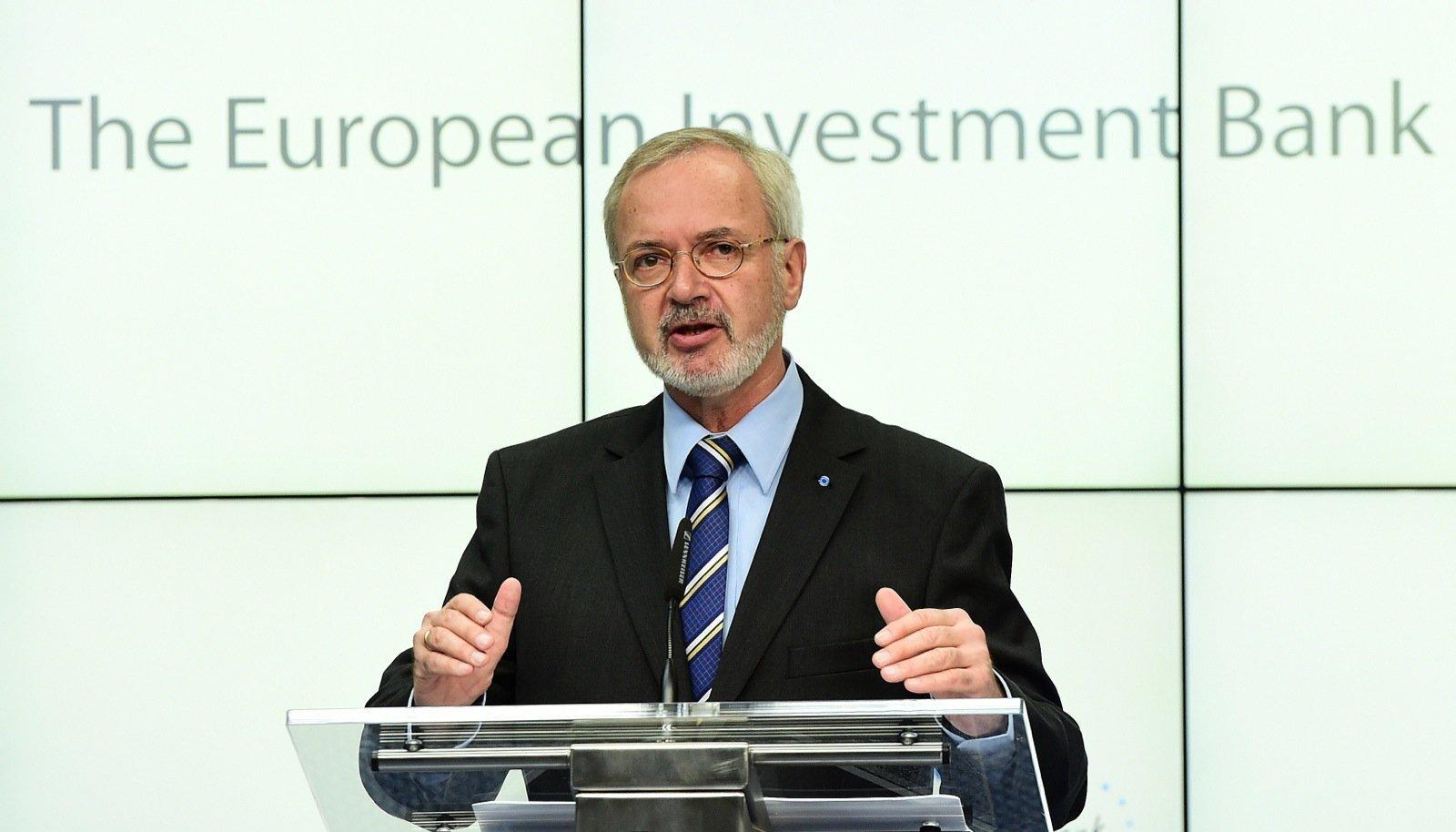 Euroopa Investeerimispanga juht Werner Hoyer märkis, et pank hakkab vältima saastamise rahastamist.