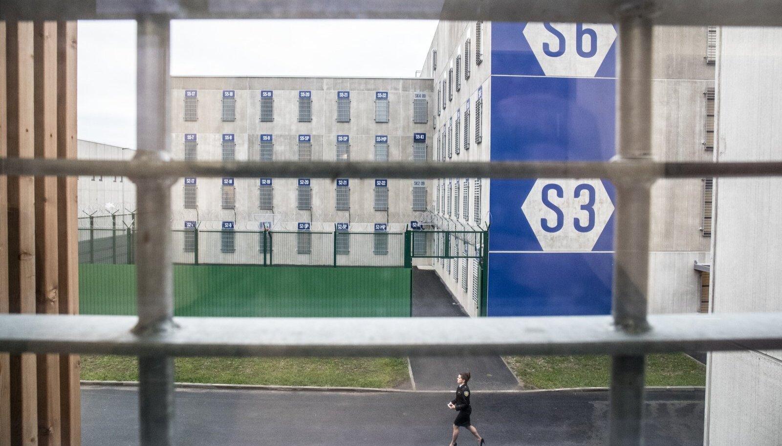 Tallinna Vangla. Foto on illustreeriv